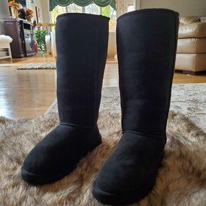 (10) UGG Austalia classic tall Boots